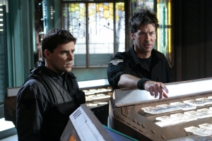 Major Evan Lorne (Kavan Smith) and Colonel John Sheppard (Joe Flanigan) in Stargate Atlantis. Photo by Eike Schroter and copyright of The Sci Fi Channel