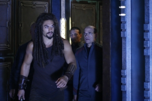 "Ronon (Jason Momoa) and Woolsey in a scene from the fifth season story ""The Prodigal."" Photo by Eike Schroter and copyright of the Sci Fi Channel"