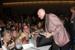 Author Terry Goodkind meets his fans at Comic Con 2009